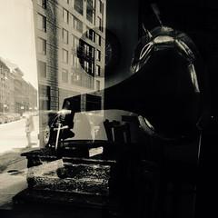 Se côtoyer à travers le temps... (woltarise) Tags: montréal gr ricoh sépia rue passant gramophone reflets intérieurextérieur café vieuxmontreal