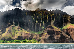 The Napali Coast. Kauai, Hawaii (expanded version) (LKungJr) Tags: hawaii kauai napalicoast cliffs mountains clouds nature vista landscape