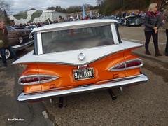 1959 Chevrolet Kingswood (BenGPhotos) Tags: 2019 brooklands museum new years day classic gathering car show event white orange 1959 chevrolet kingswood estate station wagon american us 914uyf