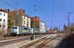 Railadventure 111 222 + 111 210 München-Ludwigsvorstadt (tobias.unsin) Tags: train zug railway rail railroad railadventure bahn bavaria bayern sunshine city skyline