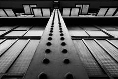 Graphic industriel (Ned_Photo) Tags: architecture fenetre graphique industriel paris perspective industrial poutre beam acier street rue graphic building batiment iron
