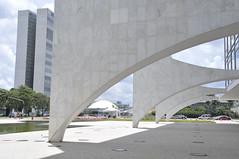 Congresso Nacional (Senado Federal) Tags: bie congressonacional paláciodoplanalto praçadostrêspoderes colunas prédio edifício espelhodágua brasília df brasil bra