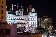 Albany by Night (ruifo) Tags: nikon d850 nikkor 50mm f12 ais us usa united states america albany ny new york state capital city urban arquitetura architecture building skyline cidade ciudad urbano downtown monument monumento predio prédio buildings predios prédios skyscraper skyscrapers landscape paisagem paisaje winter inverno invierno snow neve nieve weather capitol noite noche night low light