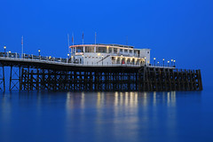 2018_05_06_0253 (EJ Bergin) Tags: sussex westsussex landscape worthing sunset beach sea seaside worthingpier seafront bluehour southernpavillion