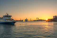 Gothenburg Evening Light (Fredrik Lindedal) Tags: sunlight sun sunset sunrays boat boats boatride harbor sky water gothenburg göteborg göteborgshamn götaälv bridge buildings city cityscape cityview sweden sverige skyline lindedal