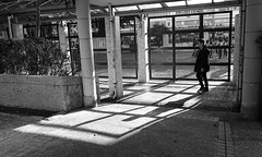 people in the city (Steve only) Tags: sony xperia xzs cellphone snap bw monochrome peopleinthecity 黑白