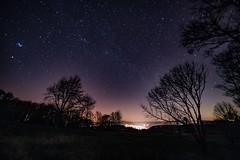 Sternenhimmel über Daun (clemensgilles) Tags: illuminated rheinlandpfalz daun beautiful stargazing sternenhimmel night nightphotography astrophotographers astrofotographie amazing lowlight longexposure vulkaneifel deutschland eifel germany