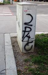 legend (Lackdosetoleranz) Tags: wien vienna lackdosetoleranz graffiti buchstaben letters tags handstyles 2pac legend rap hiphop realness stromkastl urbanart citylife