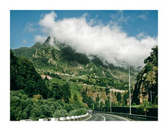 Madeira, Portugal (Sr. Cordeiro) Tags: madeira portugal estrada road nuvem cloud montanha mountain ilha island panasonic lumix gx85 gx80 14140mm