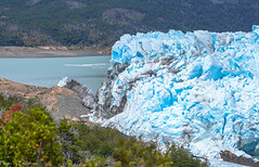Ice and stone / Лёд и камень (Vladimir Zhdanov) Tags: argentina patagonia elcalafate peritomoreno glacier lagoargentino lake water ice mountains andes mountainside tree forest travel rock