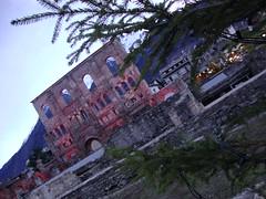 All'imbrunire, come sogni riappaiono i passati (ba.sa74) Tags: lovevda aosta vda valledaosta teatro romano tramonto cielo esterno pino natura panorama luci rosso montagne inverno