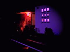 Luces es la noche en Mitaka Shi (Felipe Sérvulo) Tags: noche puerta casa ventana moradores familia luces colores colors azul belleza intimidad blue windons home