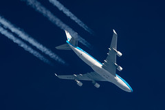 KLM Boeing 747-406(M) PH-BFW (Thames Air) Tags: klm boeing 747406m phbfw contrail telescope dobsonian contrails overhead vapour trail