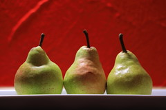 status quo (pics straight from the camera) Tags: macro canon fruit pear red yellow food canoneosr