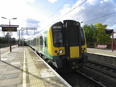 350263 (Rob390029) Tags: london midland class 350 350263 harrow wealdstone railway station hrw