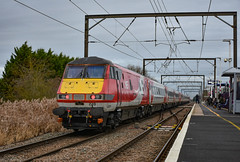 82220 + 91124 + 67004 - 13/01/19 (TRphotography04) Tags: db cargo uk 67004 drags london northeastern railways lner 91124 dvt 82220 past waterbeach working diverted 1s13 0918 kings cross edinburgh due engineering works taking place ecml between hitchin peterborough grand central hull trains services were via march ely cambridge