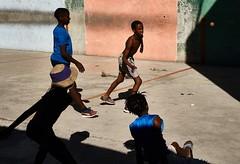 DSC01310_2 (thomschphotography3) Tags: cuba havana havanna lahabana shadow children boys playing elponton sports ball gym streetphotography