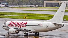 SpiceJet Boeing 737-700 VT-SLA Mumbai (VABB/BOM) (Aiel) Tags: spicejet boeing b737 b737700 vtsla mumbai canon60d tamron18400vc