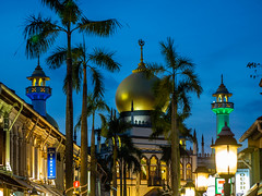 Sultan Moque (Thanathip Moolvong) Tags: singapore centralregion sg sultan mosque kampung glam different time angle view