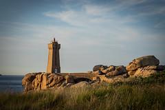 Ploumanac'h1920 (7red) Tags: s2019 bretagne breizh ploumanach phare lighthouse brittany france granit rose