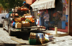 Vegetable and fruit delivery (posterboy2007) Tags: ajijic mexico fruit vegetables delivery truck shop street
