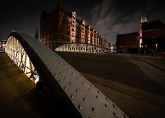 Sandbrücke (Ni1050) Tags: hh dungeon miwula fleet kanal speicherstadt brooksfleet sandbrücke ninicrew ni1050 sony a7r2 ilce7rm2 a7rii voigtländer 2019 hamburg voigtlanderheliarhyperwide10mmf56 ww weitwinkel angle ultraweitwinkel ultra langzeitbelichtung