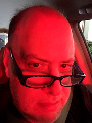 Day 2536: Day 346: Red (knoopie) Tags: 2018 december iphone picturemail doug knoop knoopie me selfportrait 365days 365daysyear7 year7 365more day2536 day346