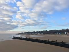 Morning! (Phil Gyford) Tags: frinton frintononsea beach seaside uk essex walton waltononnaze waltononthenaze