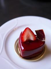 Chocolat et Moi (Long Sleeper) Tags: sweets dessert food cafe cafedelapresse cake chocolatetmoi chocolate fruit strawberry yokohama kanagawa japan dmcgx1
