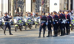 "bootsservice 18 800719 (bootsservice) Tags: uniforme uniformes uniform uniforms bottes boots ""ridingboots"" motard motards biker motorbike gants gloves police policier policiers policeman policemen parade défilé ""14 juillet"" ""bastilleday"" ""champselysées"" paris"