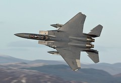 BWLCH EXIT (Dafydd RJ Phillips) Tags: ln604 f15 f15e eagle strike lakenheath low level mach loop snowdonia military aviation combat usa usaf
