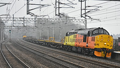 Lean into it! (Trev 'Big T' Hurley) Tags: 37219 37175 37 class37