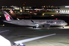 Qatar Airways | Airbus A350-900 | A7-ALZ | oneworld livery | London Heathrow (Dennis HKG) Tags: aircraft airplane airport plane planespotting oneworld canon 7d 70200 london heathrow egll lhr qatar qatarairways qtr qr airbus a350 a350900 airbusa350 airbusa350900 a7alz