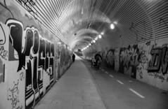 Underpass (Lea Ruiz Donoso) Tags: madrid blanco y negro blancoynegro black white blackandwhite noiretblanc street calle urbana