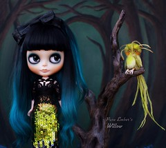 Sequins and magical birds 💚 (pure_embers) Tags: pure embers blythe doll dolls custom rosichi pureemberswillow willow neo uk laura england girl pretty pureembers photography takara smoky eyes portrait black teal alpaca hair bangs sequins magical bird friend fwooper bluemarytoys forest