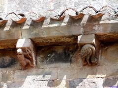 Vizcaínos (santiagolopezpastor) Tags: espagne españa spain castilla castillayleón burgos provinciadeburgos medieval middleages iglesia church románico romanesque canecillos canecillo