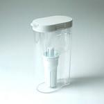 浄水器ポット型の写真