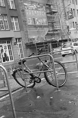 Berlin 1 (Lennart Arendes) Tags: canon 1n eos analog film kb 35mm kodak trix 400 d76 ef 24105mm berlin mitte bike street rubbish store car