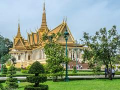 Palais royal (petiron) Tags: chateaumanoirs cambodge 2014 phnompenh castlemanor kh