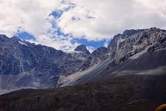 Cajon del Maipo (Carlos Henrique Pereira) Tags: mountains montanhas blue sky azul ceu travel trip viagem nuvens clouds d7200 nikon chile southamerica vacations férias