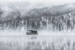If You're Lost (Anna Kwa) Tags: plitvičkajezera plitvicelakesnationalpark fog mist cold snow reflections unescoworldheritage boat croatia annakwa nikon d750 7002000mmf28 my time lost find always seeing heart soul throughmylens life journey fate destiny timeaftertime travel world