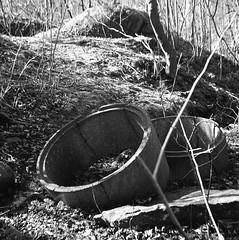 Rör (rotabaga) Tags: sverige sweden svartvitt göteborg gothenburg skansenkronan blackandwhite bw bwfp lomo lomography lubitel166 mediumformat mellanformat ilford diy 6x6 120
