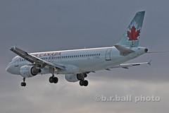 BRB_6291cesn c (b.r.ball) Tags: brball aviation yyz airplane torontopearsoninternationalairport malton cfdsu airbus a320211 aircanada ac268