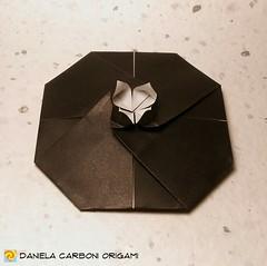Il fiore di loto sboccia dallo stagno fangoso. ---------------------------------------- The lotus flower blooms from the muddy pond.  #origami #cartapiegata #paperfolding #papiroflexia  #paper #paperart #createdandfolded #originaldesign  #danielacarbonior (Nocciola_) Tags: lotusflower paperart cartapiegata createdandfolded papiroflexia paperfolding mininalism originaldesign danielacarboniorigami paper fiorediloto minimalismo origami