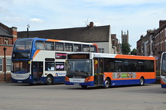 Stagecoach East 19295 AE07KYV & Centrebus 671 YH63CXB (Will Swain) Tags: grantham 4th august 2018 bus buses transport travel uk britain vehicle vehicles county country england english stagecoach east 19295 ae07kyv centrebus 671 yh63cxb