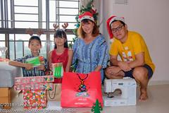 Its Christmas morning again (Stinkee Beek) Tags: erin yewyen christmas leonard ethan