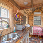 """Cabin in Tennessee <a style=""""margin-left:10px; font-size:0.8em;"""" href=""""http://www.flickr.com/photos/132885244@N07/47519697952/"""" target=""""_blank"""">@flickr</a>"""