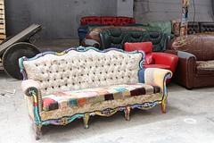 Beautifully Weird (just.Luc) Tags: couches zetels divans vieux old oud alt sofas darwin france frankrijk frankreich francia frança bordeaux gironde nouvelleaquitaine