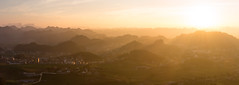 Shades of sun (Théo G-N) Tags: travel trip viaggio voyage vietnam northern moc chau mountains hills collines colline montagne sunset coucher de soleil tramonto shades nuances couleurs sfumature colori paysage landscalpe paesaggio golden hour heure dorée panorama panoramique panoramico lumière light luce