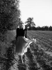 fall (sylwiana) Tags: bnw bnwphoto bnwphotography bnwportrait bnwcreatives bnwmood fall field dress woman womanphotography blonde blondehair blackandwhite sonya7 helios85
